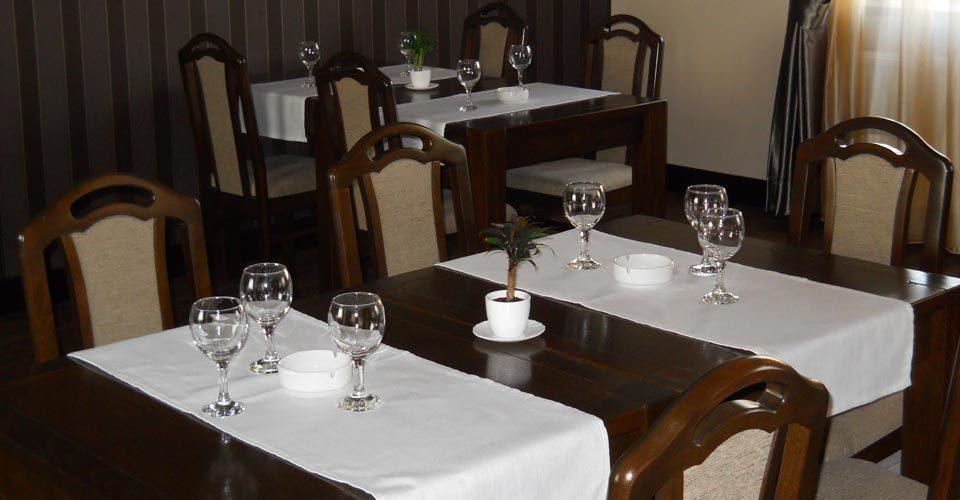 restaurantpiatraneamt-02